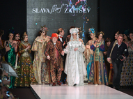 Показ Slava Zaitsev на Mercedes-Benz Fashion Week