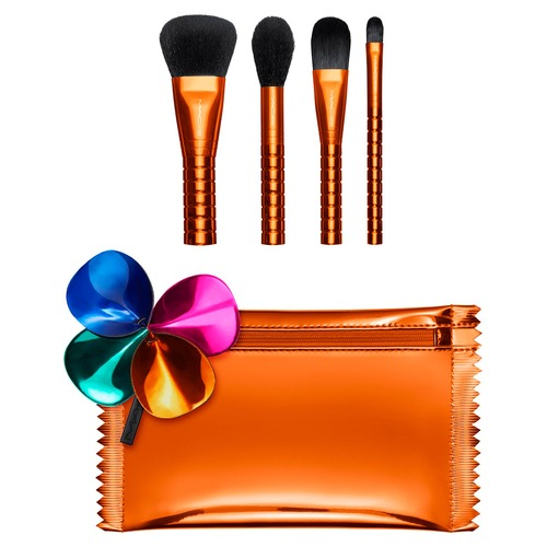 MAC SHINY PRETTY THINGS BRUSH PARTY: FACE FOCUS Набор кистей SHINY PRETTY THINGS BRUSH PARTY: FACE FOCUS Набор кистей 1pc makeup brushes foundation eyebrow powder blush brush eyeshadow face mask lip beauty brush for eyelashes pincel maquiagem